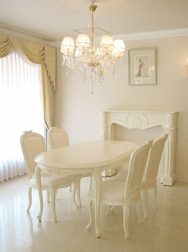 輸入家具■オーダー家具■プリンセス家具■ダイニングテーブル160■オードリーリボンの彫刻 ■脚部彫刻なし■ホワイト色