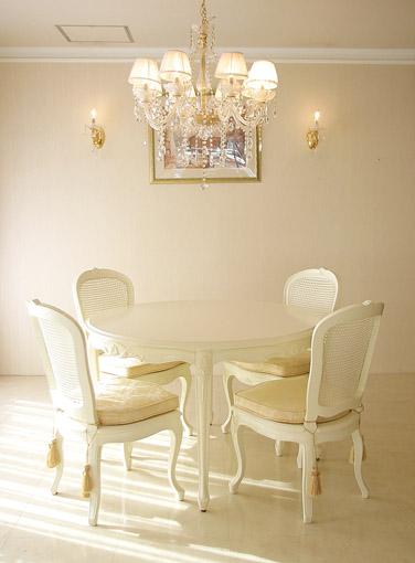 輸入家具■オーダー家具■プリンセス家具■ラ・シェル■ラウンドテーブル■ホワイト色
