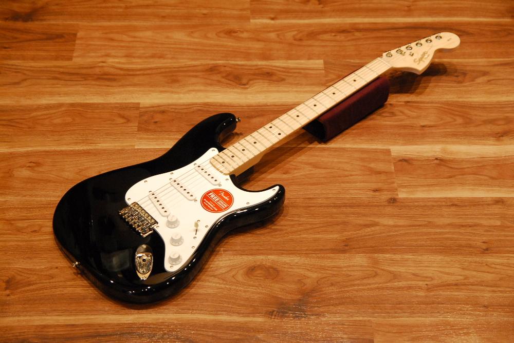【送料無料】【チューナープレゼント♪】Squier by Fender スクワイヤー [0310602506] Affinity Series Stratocaster Maple BLK(Black) ストラトキャスター/メイプル指板/ブラック/エントリーモデル/入門者向け