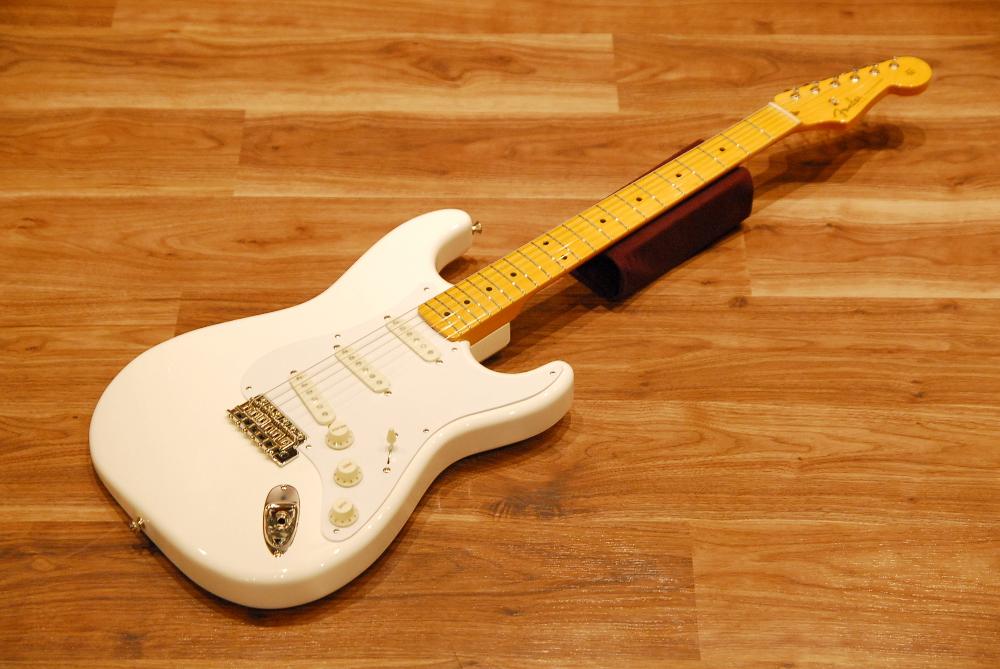 【送料無料】【チューナー付き】Fender フェンダー [5359502380] Made in Japan Traditional 50's Stratocaster® AWT(Arctic White) ストラトキャスター/エレキギター/ホワイト