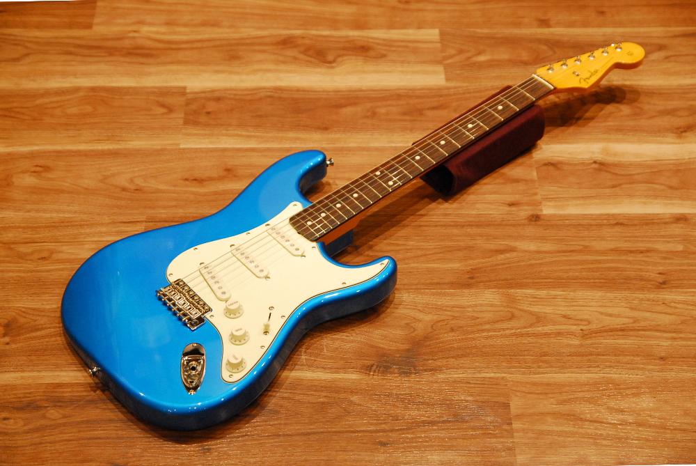 【送料無料】【チューナー付き】Fender フェンダー [5359600360] Made in Japan Traditional 60's Stratocaster® Rosewood CBL(Candy Blue) ストラトキャスター/エレキギター/キャンディーブルー