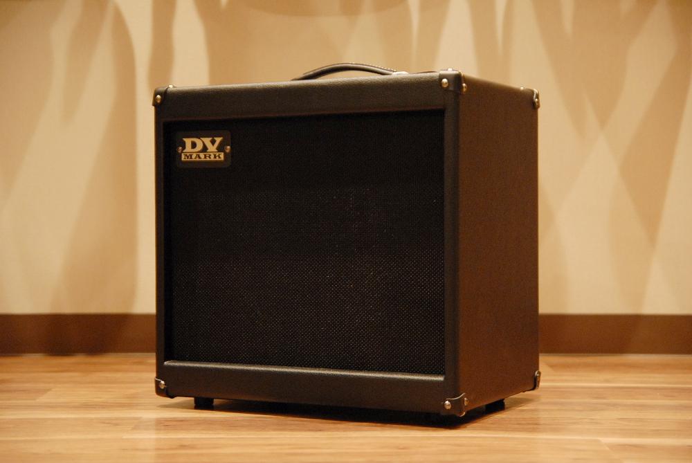 【送料無料】【限定カラー】DV Mark DV JAZZ 12 -Limited Black- [DVM-J12/BK] DVマーク/ギターアンプ/ジャズ/ブラック/軽量