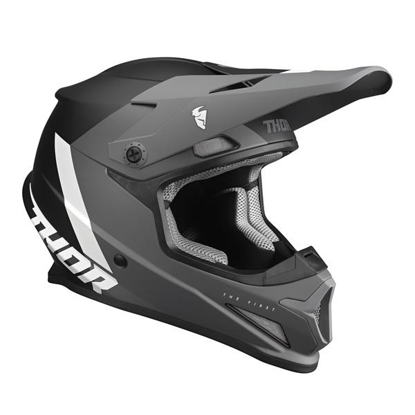 日本専用設計のTHOR SECTOR SGヘルメット! THOR 22 SECTOR SG ヘルメット CHEV グレー/ブラック[SG/PSC規格][MFJ公認] 日本専用設計 オフロード 正規輸入品 WESTWOODMX