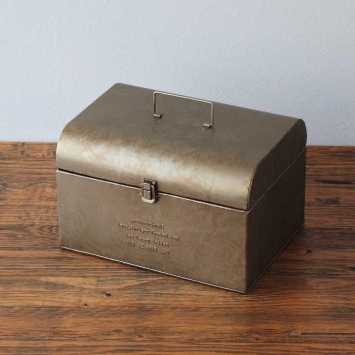 """使う人に""""こだわり""""を感じさせてくれるツールボックス ツールボックスLサイズ 裁縫箱 ソーイングボックス 信用 救急箱 薬箱 お道具箱 雑貨 小物入れ ブリキ アンティーク 収納ボックス お金を節約 お片付け"""