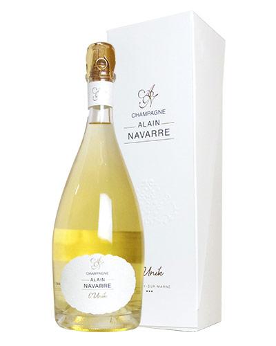 【豪華箱入】アラン ナヴァール シャンパーニュ リュニック ブラン ド ブラン W金賞受賞酒 年産わずか1500本のみ 手書きナンバー入り 豪華メタリックキャップ&豪華ギフト箱入 泡 白 シャンパン ワイン 辛口 750mlALAIN NAVARRE Champagne L'Unik Blanc de Blancs