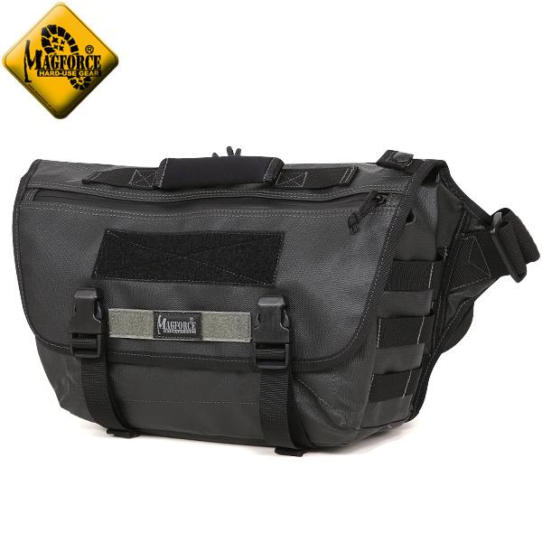 【店内20%OFFセール開催中】MAGFORCE マグフォース MF-6052 Ferocious Messenger Bag Black 1,200デニールの太い糸で編まれたポリエステル素材 ウェビングが付属し、拡張する事も可能 ジッパーにはYKKの止水ジッパーを採用