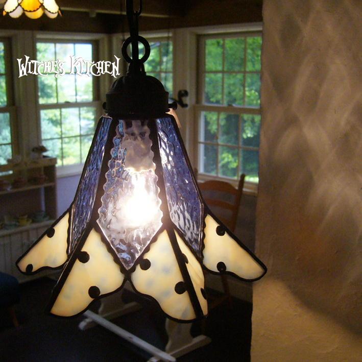 ペンダントライト 【Nino・ニノ】 LED対応 水玉模様 ステンドグラス ランプ, DEROQUE due 97acea00