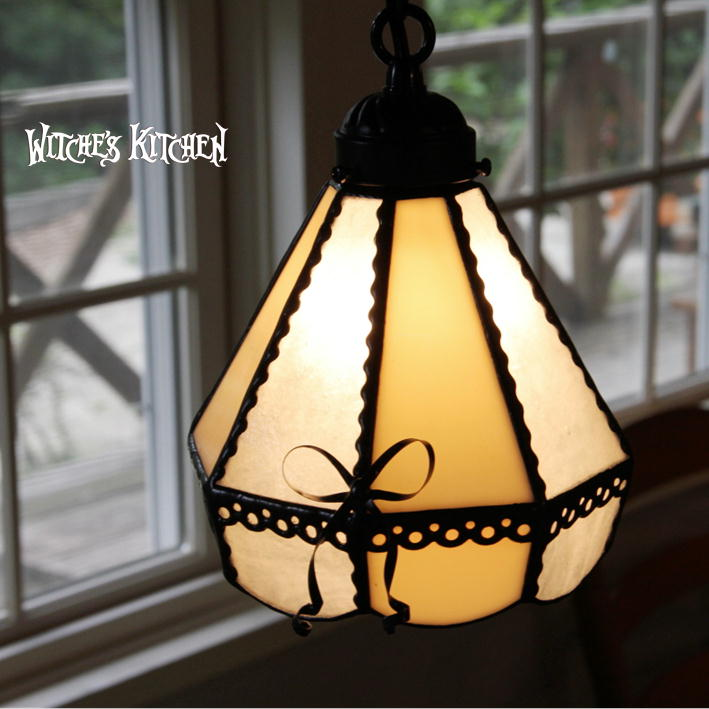 ペンダントライト 【White Love・ホワイトラブ】 LED対応 リボン 壁付け照明 ステンドグラス ランプ