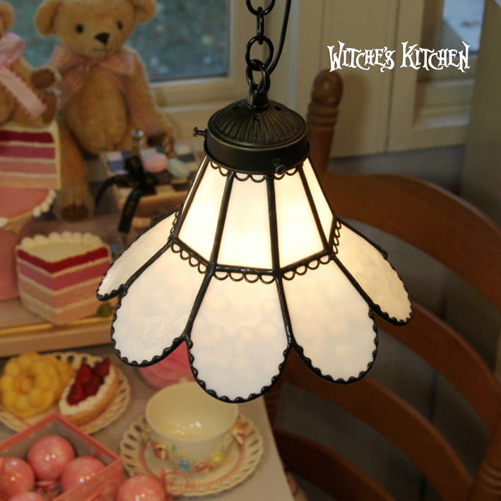 ペンダントライト 【Snow Karen・雪カレン】 LED対応 ホワイト ステンドグラス ランプ