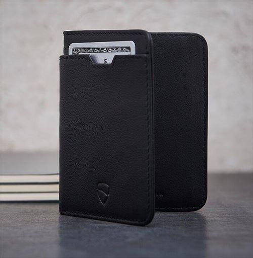 紳士の国 イギリスで生まれた散歩でもジェントルマンを演出する財布ふいに出会った顔見知りに財布を見られても一安心 高額売筋 どんな時でも気を抜かない大人の財布です vaultskin 散歩用財布 CITYシリーズ 卓出 全2色