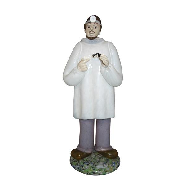 チェコ共和国製 ボヘミア ドクター人形 134 眼科医 【 ドクター人形 】  ポイント消化 記念品 開院祝い 開業祝い お医者様への贈り物 ギフトラッピングサービス 送料無料