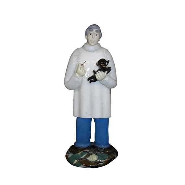 チェコ共和国製 ボヘミア ドクター人形 138 獣医 【 ドクター人形 】  ポイント消化 記念品 開院祝い 開業祝い お医者様への贈り物 ギフトラッピングサービス 送料無料
