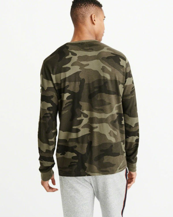 b1eeef3a79e06 ABBA chromene T-shirt LONG-SLEEVE APPLIQUE TEE olive duck Abercrombie Fitch  アバクロンビー   Fitsch new work genuine article regular article United States ...