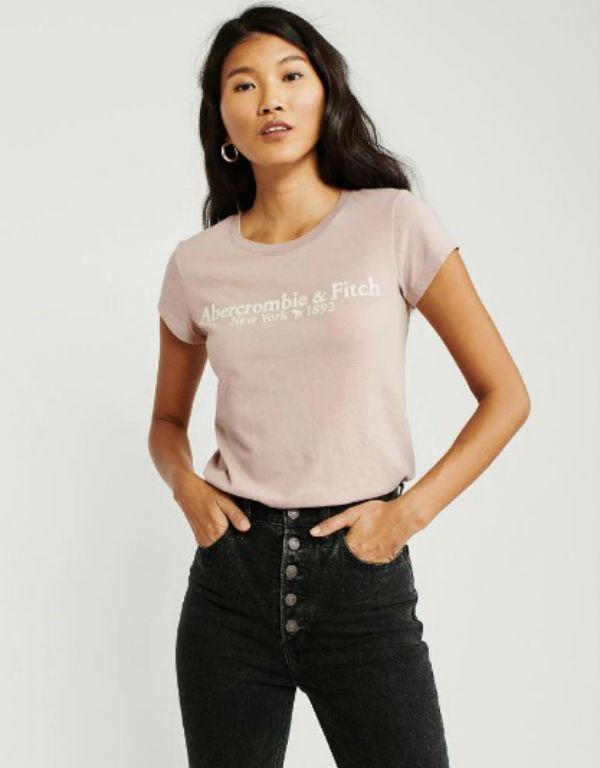 アバクロ レディース TシャツShort-Sleeve LOGO TEE ブラッシュAbercrombie&Fitch アバクロンビー&フィッチ新作 本物 正規品 アメリカ買付 USA直輸入
