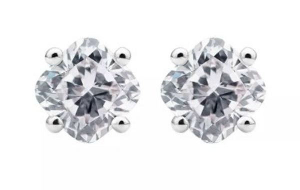 デビアス De Beers ジュエリー ライトボックス Lightbox イヤリングCusion Lab-Grown Diamond Stud Earrings カラーレスラブダイヤモンド(約1.00ct)CVDダイヤモンド 合成ダイヤモンド ラボダイヤモンド アメリカ買付 USA直輸入