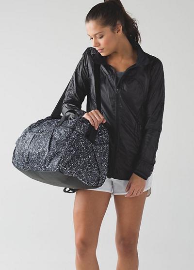 倒有點像普拉達女性運動袋所有天行李袋飛濺反光倒有點像普拉達公司 2016年新真正美國購買美國進口