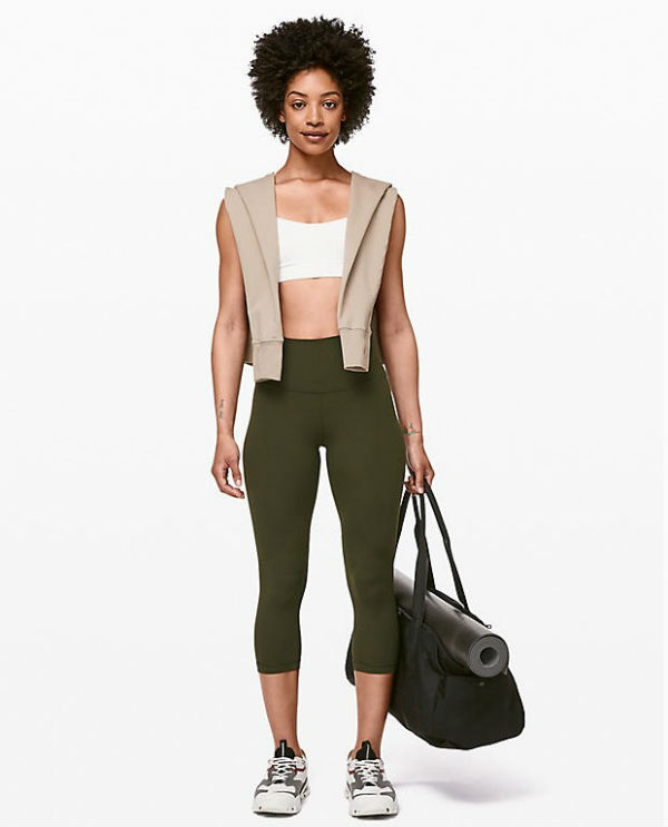3fdaa588f In late years the yoga wear of the Lulu lemon with functionality and the  fashionableness makes a hit explosively.
