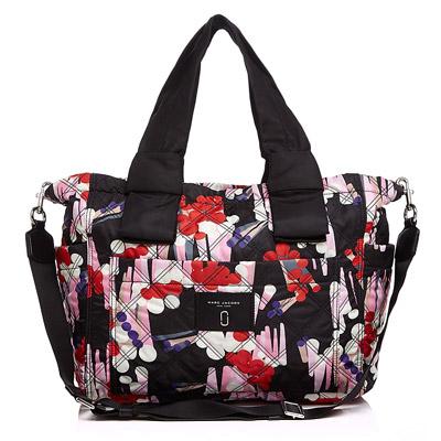 マークジェイコブス マザーズバッグ M0012034 MARC JACOBS Geo Spot Printed Knot Diaper Bag (Black Multi) オムツ替えシート付き ダイパーバッグ/ベビーバッグ (マルチ) Quilted Floral Baby Tote Bag 新作 正規品 アメリカ買付 レディース バッグ マザーバッグ
