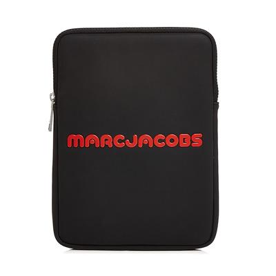 マークジェイコブス iPadケース MARC JACOBS Neoprene Logo Tablet Case (Black) ネオプレン ロゴ タブレットケース (ブラック) Logo Tablet Case ● 新作 正規品 アメリカ買付 レディース iPad タブレット スリーブ ケース 小物