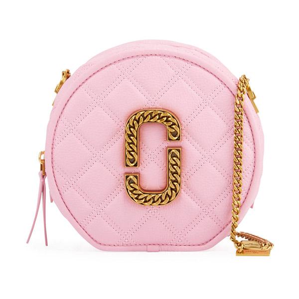 マークジェイコブス ショルダーバッグ M0015815 MARC JACOBS The Status Round Crossbody (Powder Pink) ザ ステータス ラウンド クロスボディー (ピンク) Round Leather Crossbody Bag 新作 正規品 アメリカ買付 レディース バッグ ポシェット