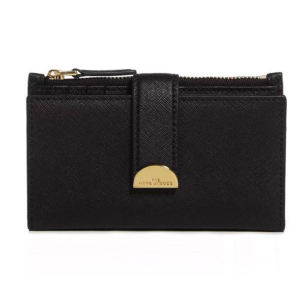 マークジェイコブス 二つ折り財布 MARC JACOBS M0016158 THE HALF MOON MEDIUM FLAT WALLET (Black) ハーフムーン ミディアム ウォレット 財布 (ブラック) Medium Flat Leather Bi-Fold Wallet 新作 正規品 アメリカ買付 レディース
