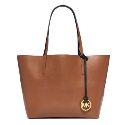 6158a34a413f Michael Kors tote bag Izzy Large Reversible Leather Tote (LUGGAGE/BLACK)  large reversible ...