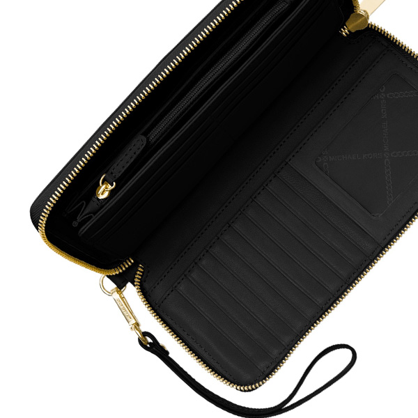 95542d3664f3 It is a lot of pockets and a large-capacity wallet with the card storing. ◇MICHAEL  KORS ...