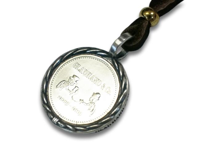 """【GLAD HAND/グラッドハンド】「Medal Charm""""K10""""/メダルチャーム""""K10""""」(GANGSTERVILLE/ギャングスタービル/WEIRDO/ウィアード/OLD CROW/オールドクロウ/WOLF PACK/ウルフパック/アメカジ/アクセサリー/プレゼント)"""