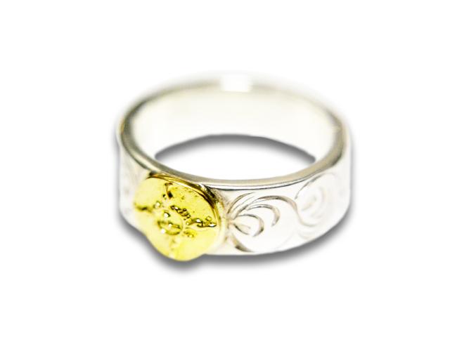 【FIRST ARROW's/ファーストアローズ】「Flat Hammered 8mm Arabesque Carving Ring with K18/K18付き平打8mmカラ草彫りリング」(R-011)【送料・代引き手数料無料】【あす楽対応】(アメカジ/ハーレー/バイカー/アクセサリー/プレゼント)
