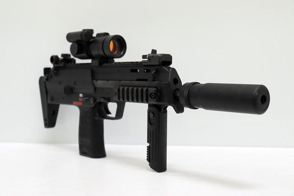【中古】MP7A1 cal.4.6mmx30 電動ガン サブマシンガン 18歳以上<ミリタリー>(代引き不可)6546