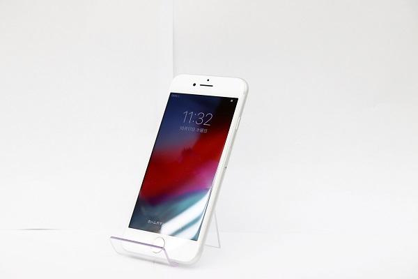 【中古】Softbank iPhone8 64GB シルバー ABランク<中古携帯>(代引き不可)6565