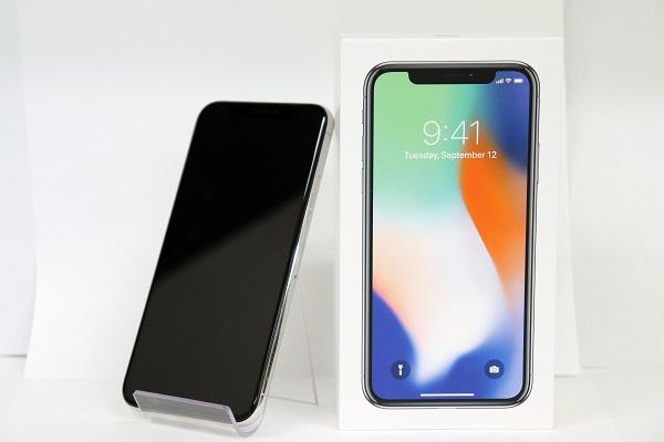 【中古】docomo iPhoneX 64GB シルバー ABランク<中古携帯>(代引き不可)6574