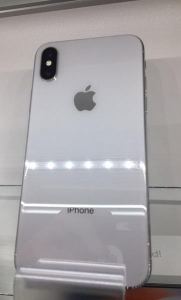 【中古】docomo iphoneX 256GB シルバー BCランク<中古携帯>(代引き不可)6582