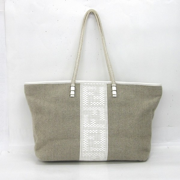 a6ca1f63767 [brand] Fendi [color] Beige system [material] Canvas X leather  [specifications] Fastener pocket *1, opening pocket *2 [size] H  approximately 26cm X W ...