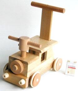 ぬくもり伝えるやさしい木のおもちゃ!! 木製玩具 木の乗り物森の汽車ポッポ