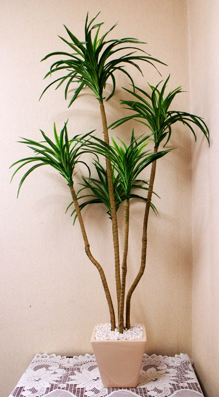 【ユッカ】【人工観葉植物】【造花】【全長1.1m】【触媒加工】【フェイクグリーン】
