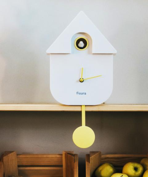 ◆高品質 購入 小鳥のさえずりがやさしく時間をお知らせ fisura カッコークロック レッドワークス LEADWORKS