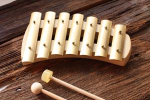 純化した真の音色が心に響く アウリスグロッケン ペンタトニック 7音 鉄琴アウリス社
