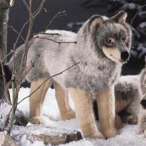 ケーセン社(Kosen)のぬいぐるみオオカミ