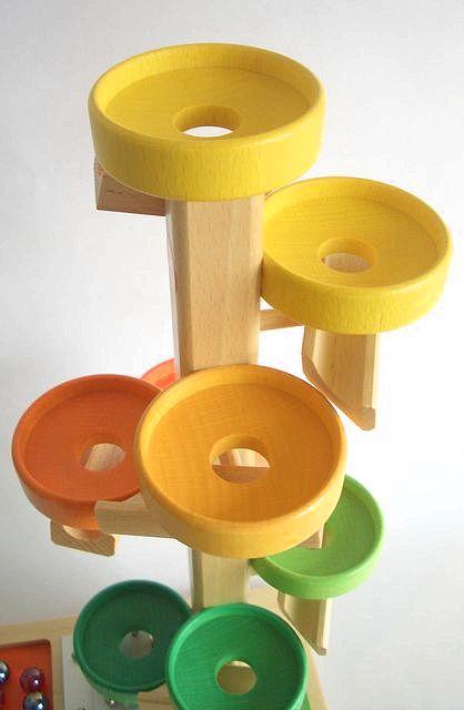 【すぐに使えるクーポン配布中】正規輸入品 トレイクーゲルタワーレインボー 【木のおもちゃ 木製 知育玩具 出産祝い 誕生日 スロープ ビー玉 トレイ 赤ちゃん ベビー 0歳 1歳 2歳 3歳】