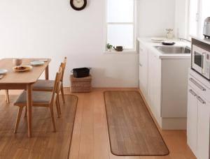 キッチンマット 拭ける おしゃれ 防水 滑り止め 台所 マット キッチン ロングカーペット ロング 撥水 ふける 長い ロングマット 木目 60×200 ( キッチンマット60×200cm )
