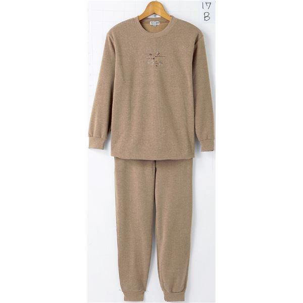 【送料無料】裏起毛パンツスーツ 【M~Lサイズ】 パンツ:ウエスト総ゴム/両脇ポケット付き カラシ【代引不可】