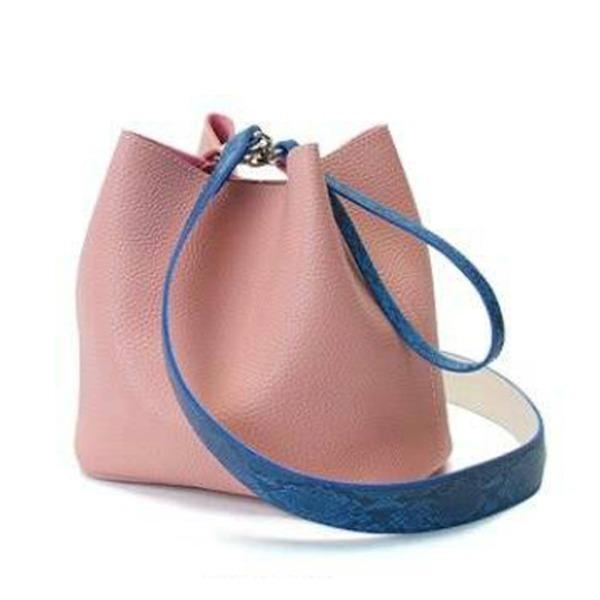 【送料無料】カラフル5色♪柔らか素材の巾着型2Wayショルダーバッグ/ピンク