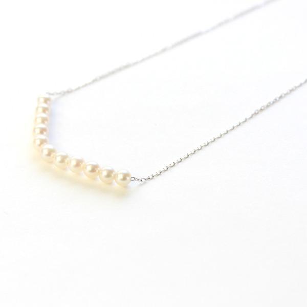 【送料無料】18金 ホワイトゴールド アコヤ真珠 ライン ペンダント