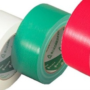 【送料無料】ニチバン カラー布テープ(薄手) グリーン 1箱(30巻)