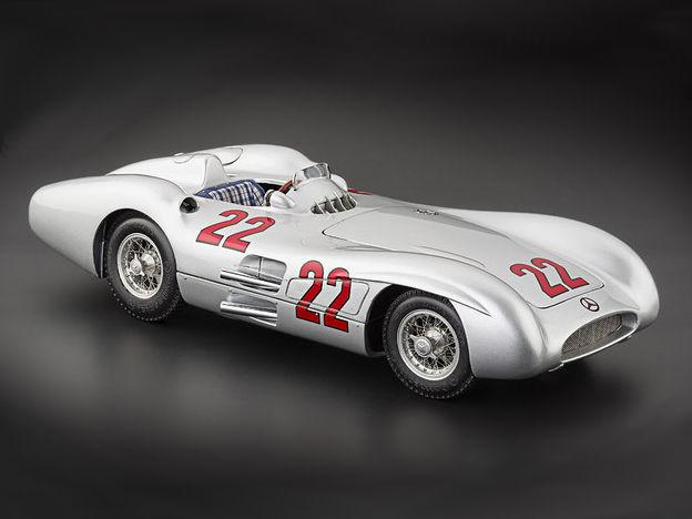 CMC/シーエムシー メルセデス・ベンツ W196R ストリームライナー 54 フランスGP #22 限定1000台 CMC/シーエムシー メルセデス・ベンツ W196R ストリー【M-128C】
