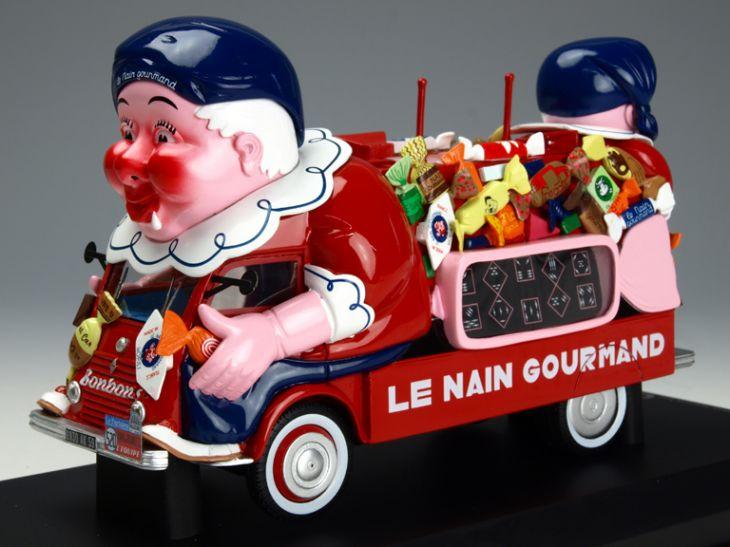 NOREV/ノレブ ルノー 1400kgs 1952年ツール・ド・フランス 「Le Nain Gourmand」 NOREV/ノレブ ルノー 1400kgs 1952年ツール・ド・フ【PM0091】