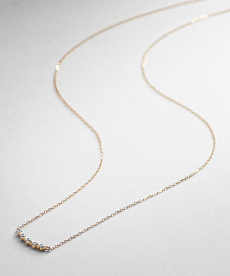 COCOSHNIK(ココシュニック)ダイヤモンド ふせ込みアーチ5石 ネックレス