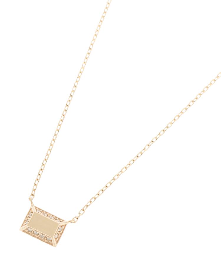 COCOSHNIK(ココシュニック)ダイヤモンド とり巻き スクエア ネックレス