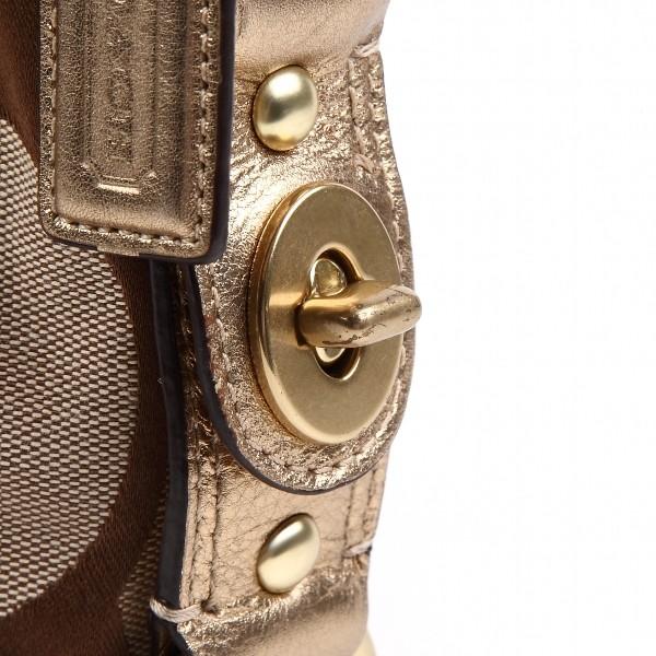 8b33feb0df30 こちらのバッグは中古品ではありますが、いったん革製品専用の特殊な液で全体を丸洗いしています。reborn=再生品アイテムです。